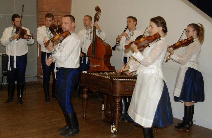 czech-slovak-school-manchester-cimbalova-muzika-notecka